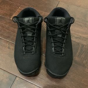 Men's Air Jordan solid black sneaker 10.5